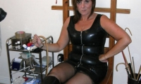 Mistress Suzi - Derby