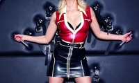 Mistress Akella - London