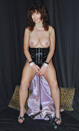 Dominatrix Dominique-1