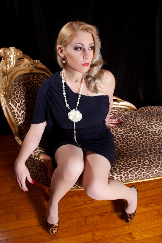 Domme-Victoria Houston-Dallas-Austin-5