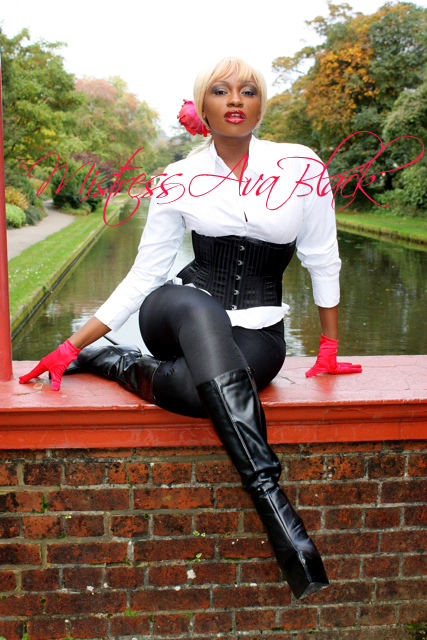 Mistress Ava Black London -1