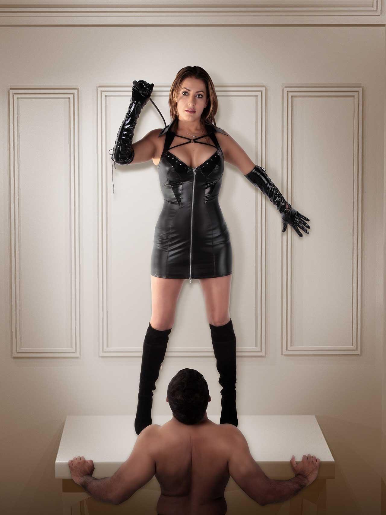 Fetishtransexual dominatrix